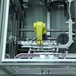 Automatic machine for picking bottles on the pallet