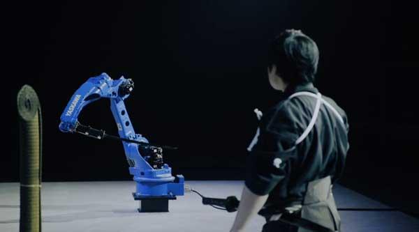 نمایش قدرت ربات های yaskawa