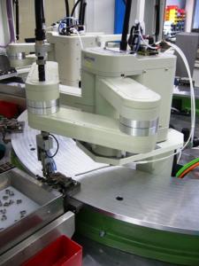 رد کردن قطعات معیوب با ربات ها